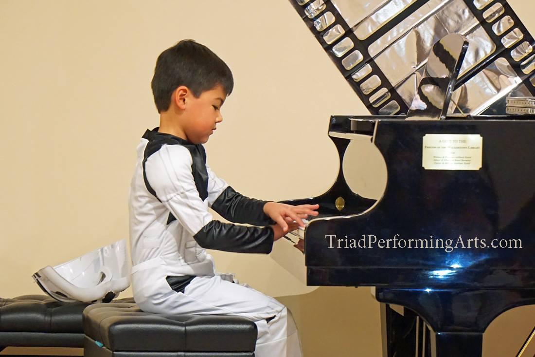 playing_piano_kids